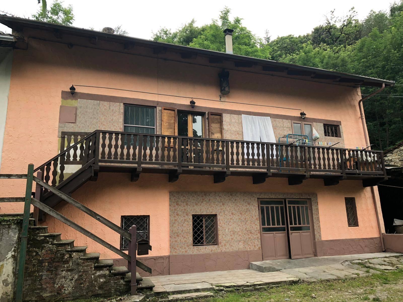 Sant'Antonino Susa (TO): Semindipendente con terreno saldo e stralcio