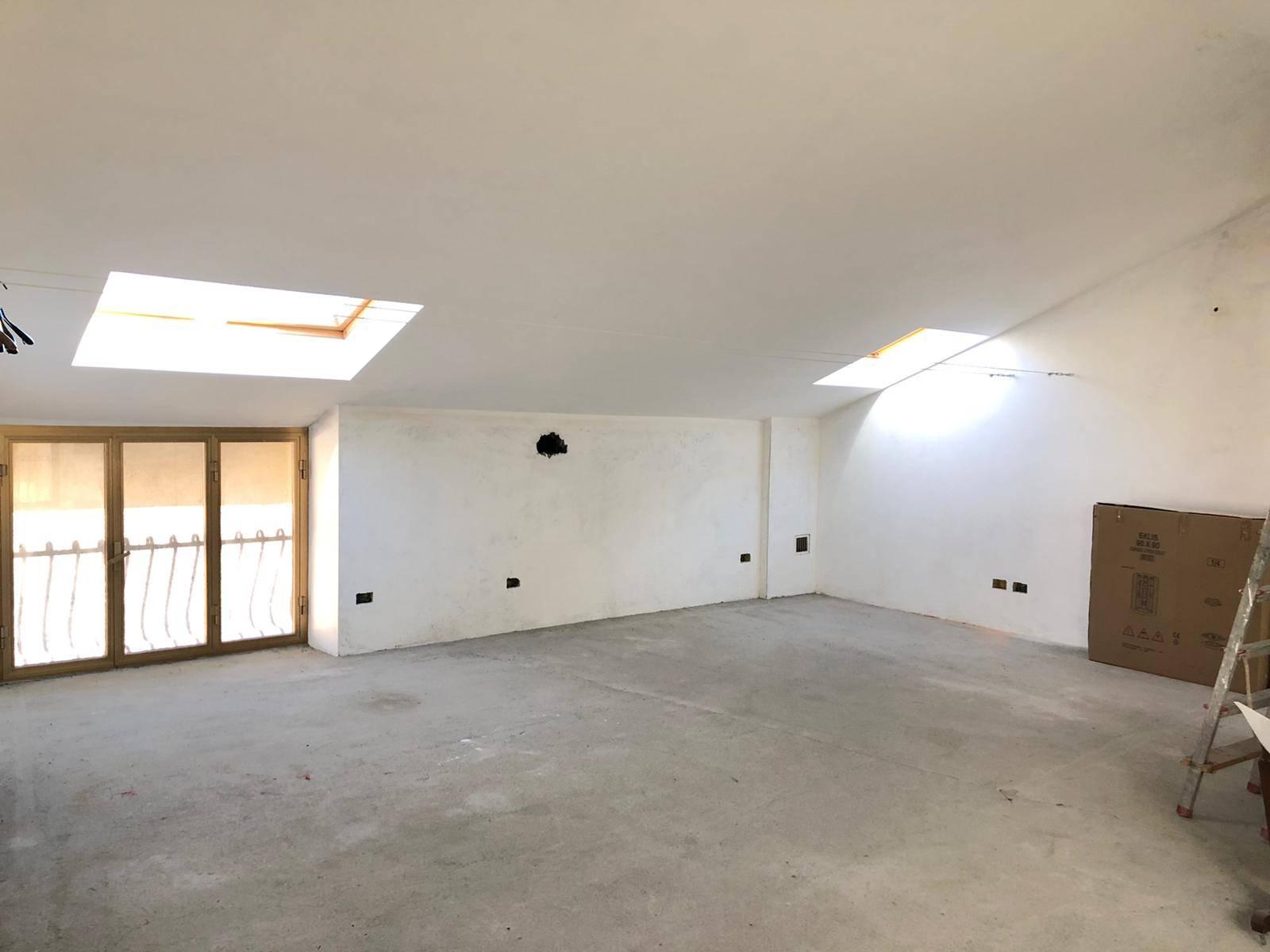 Sant'Ambrogio di Torino (TO): Appartamento mansardato recente costruzione