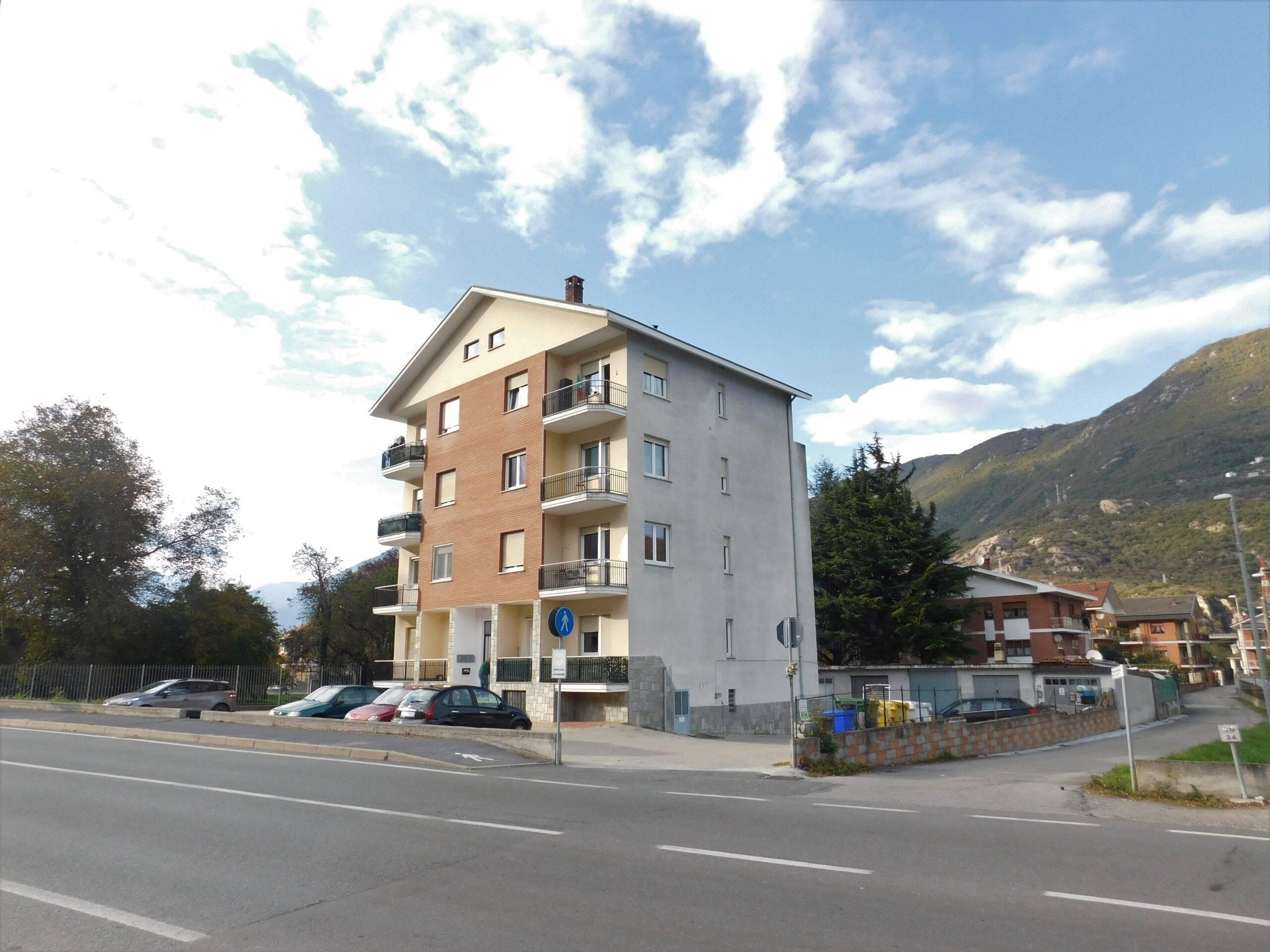 Sant'Antonino di Susa (TO): trilocale con box auto