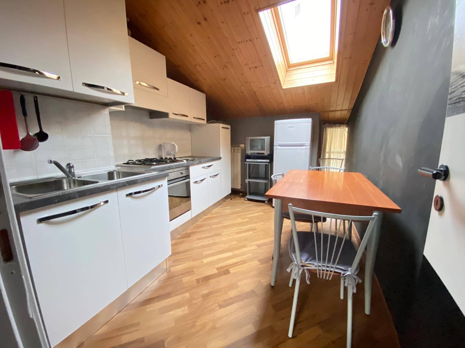 Sant'Ambrogio (TO): Appartamento mansardato