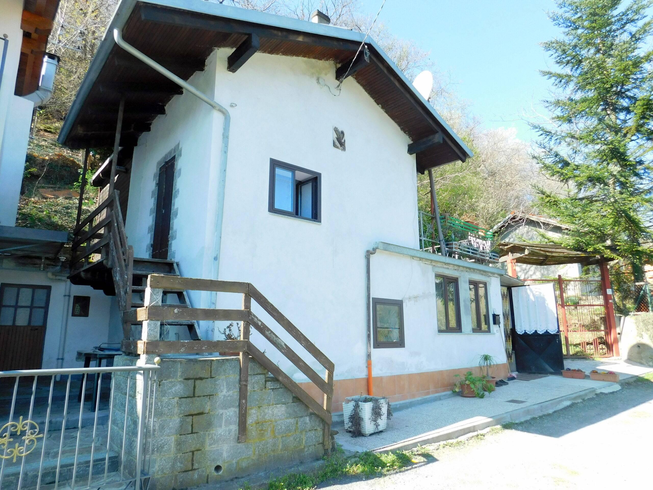 Villar Focchiardo (TO): casa indipendente con terreno