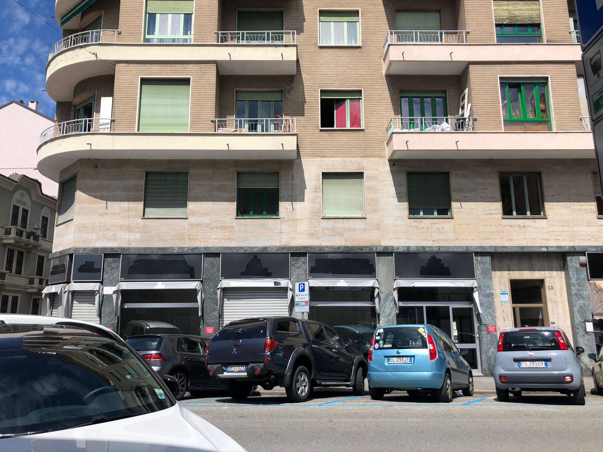 Torino (TO): Ampio negozio con zona uffici in Parella