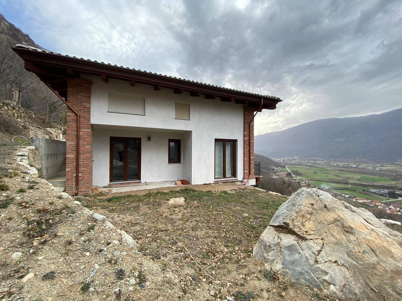 Borgone Susa (TO): Villa di nuova costruzione con ampio terreno