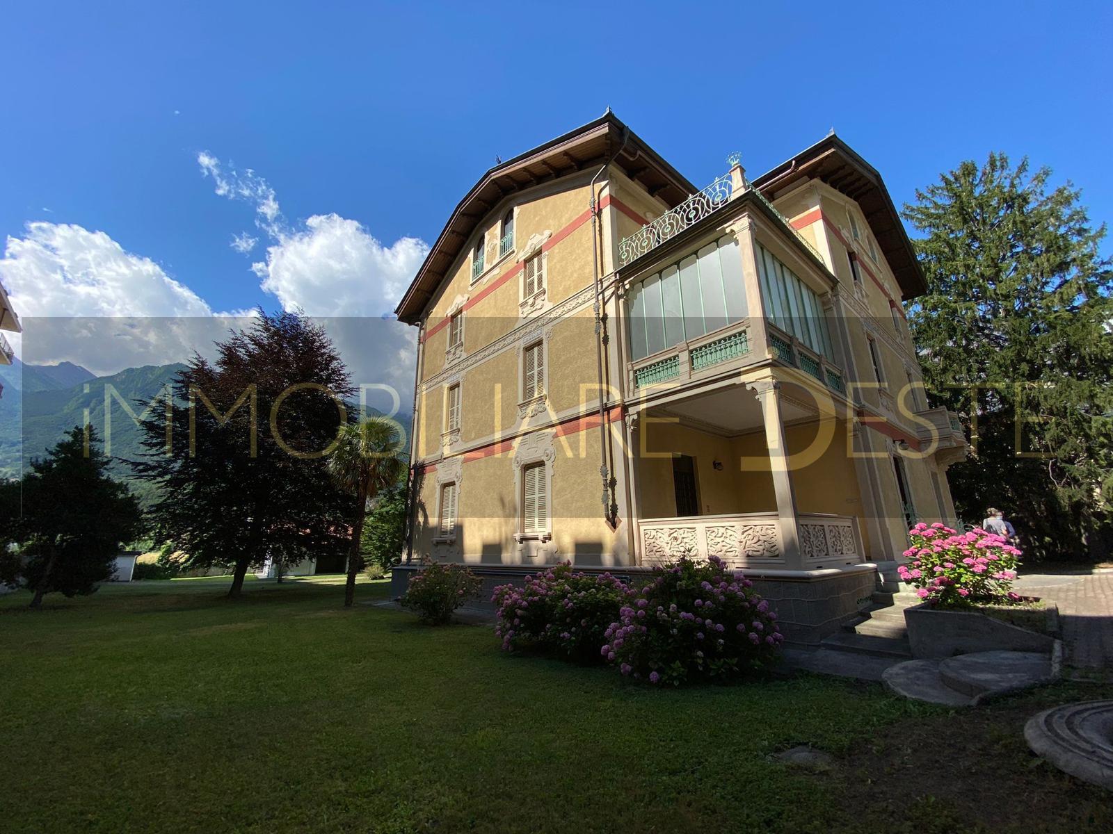 Susa (TO): villa liberty con parco